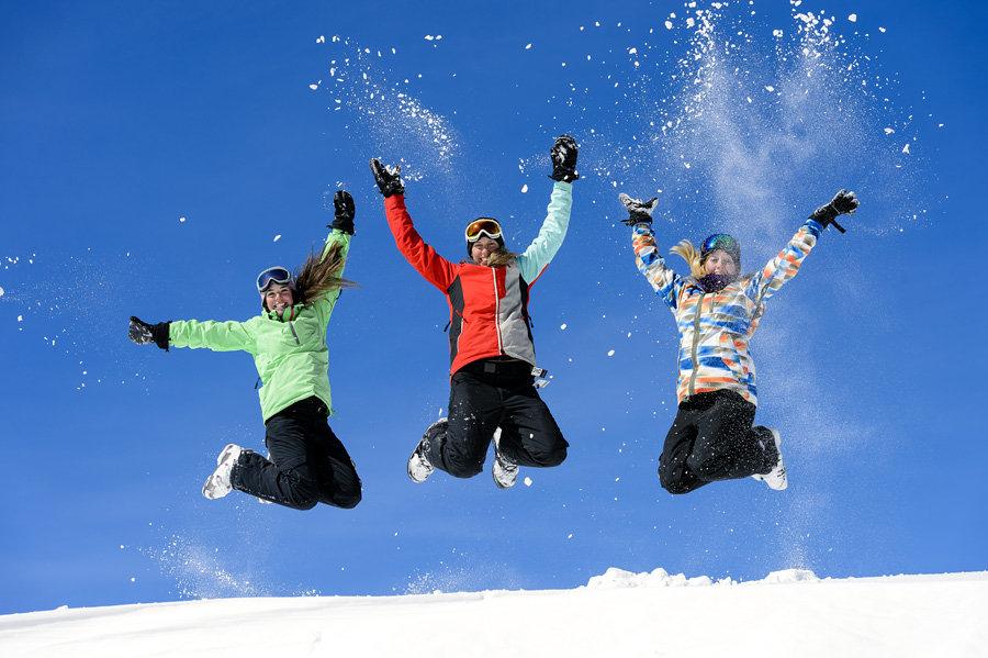 Snowshoe jumping